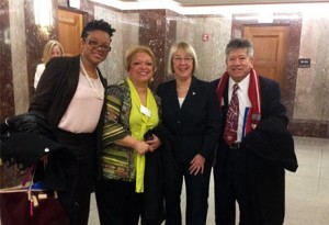 Senator Patty Murray with the travelers from Washington. From left: Quontica Sparks, Ruvine Jiménez, Sen. Murray, and Gabriel Portugal.